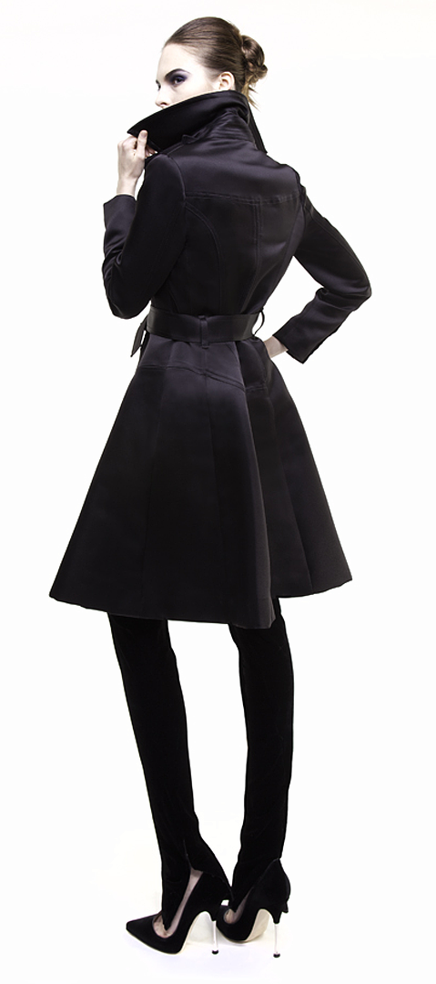 black trench coat in double face silk duchesse side view